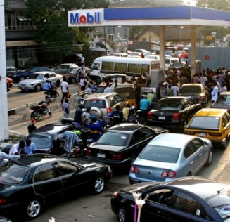 Fuel scarcity: Osun residents demand DPR's intervention